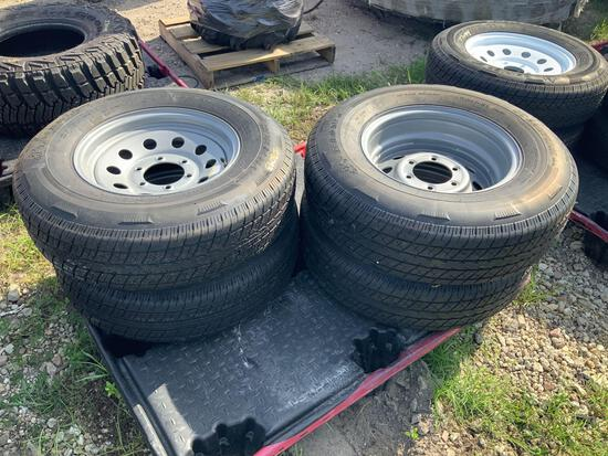 4 225/75R15 Tires