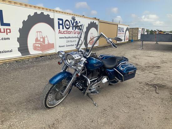 2005 Harley-Davidson FLHRI Road King Motorcycle