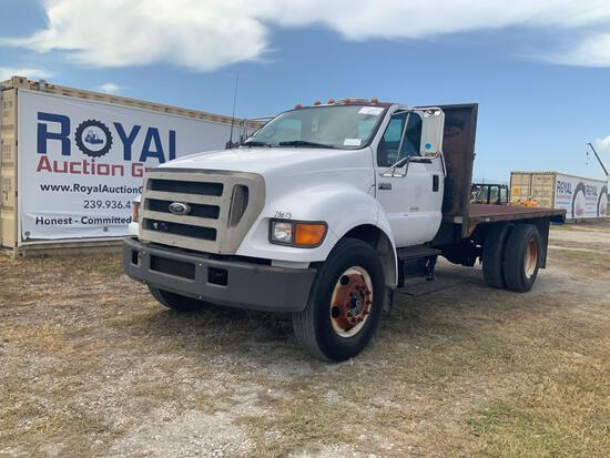 2004 Ford F-650 Flatbed Truck