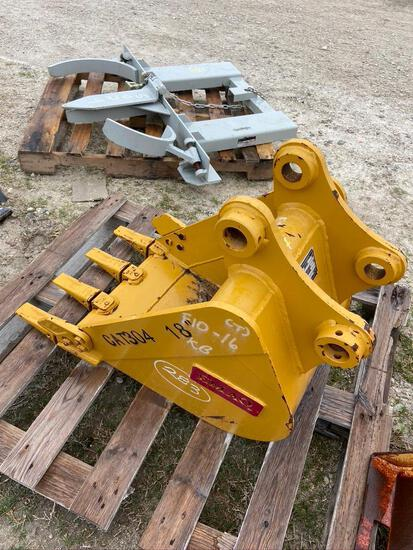 18in Excavator Bucket with Teeth