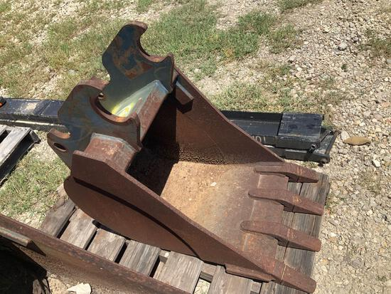 18in Excavator Digging Bucket with Teeth