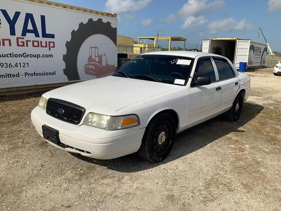 2011 Ford Crown Vic 4 Door Police Sedan