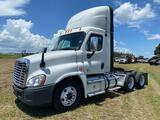 2015 Freightliner T/A Day Cab Truck Tractor