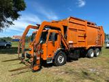 2002 Peterbilt 320 McClain 40YD T/A Front Loader Garbage Truck