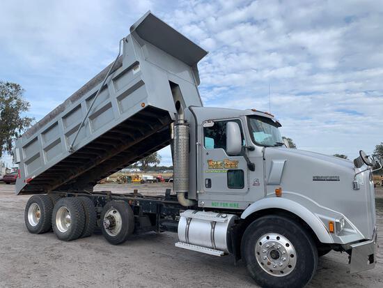 2007 Kenworth T800 Tri-Axle Dump Truck