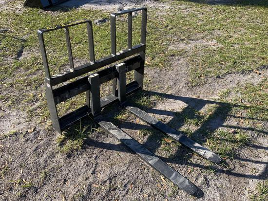 Unused Kivel Skid Steer Step Through 48in 4200lb Forks and Frame