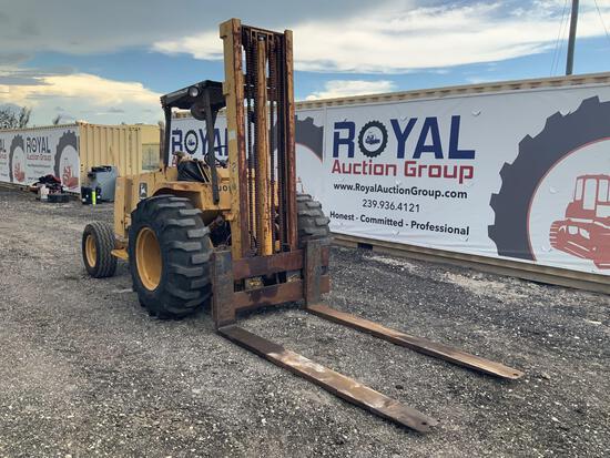 John Deere 482C 6,000lb Forklift
