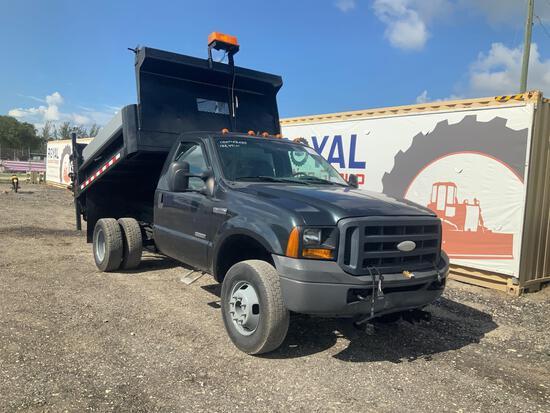 2007 Ford F-350 4x4 Dump Truck