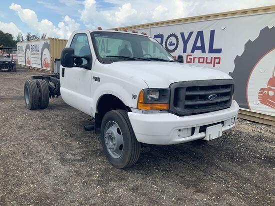 1999 Ford F-450 Cab and Chasis Pickup Truck