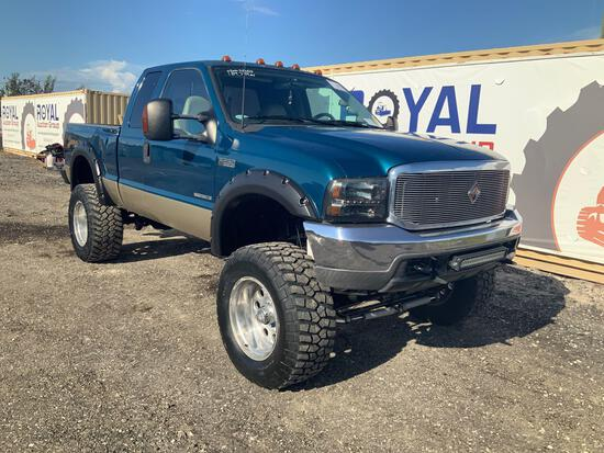 2000 Ford F-250 4x4 Extended Cab Pickup Truck