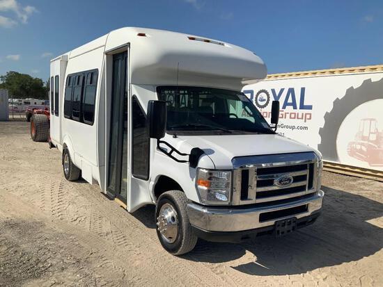 2013 Ford E-450 12 Passenger Shuttle Bus