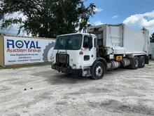 2016 Autocar Xpeditor T/A Garbage Truck