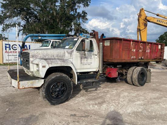 1986 Ford F800 Hooklift Dumpster Truck