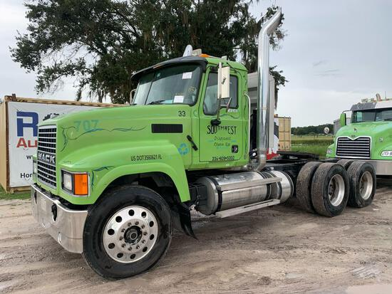 2005 Mack CHN613 Wet Kit T/A Daycab Truck Tractor