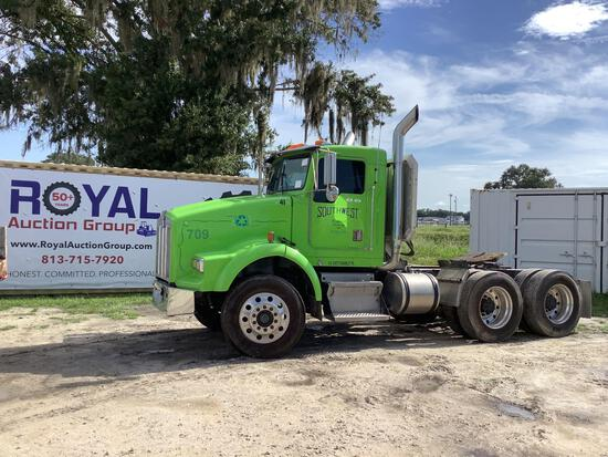 2001 Kenworth T800 T/A Wet Kit Day Cab