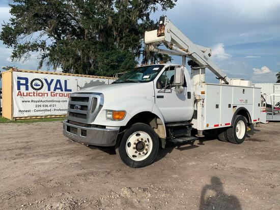 2004 Ford F-750 Over Center Bucket Truck