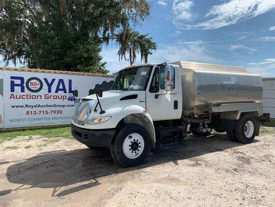 2008 International 4400 2,800 Gallon Aluminum Water Truck