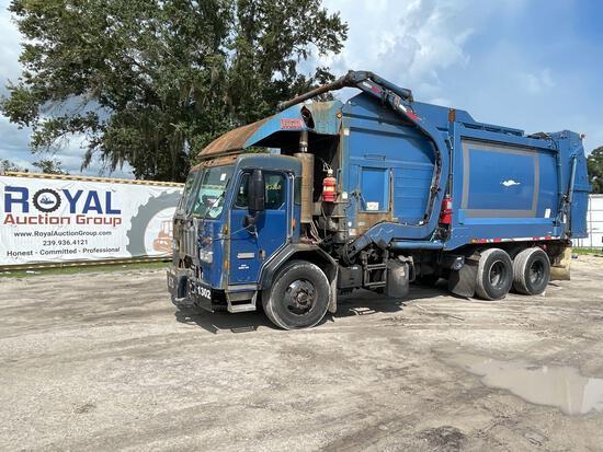 2015 Peterbilt 320 6x4 T/A 28yd Front Loader Garbage Truck