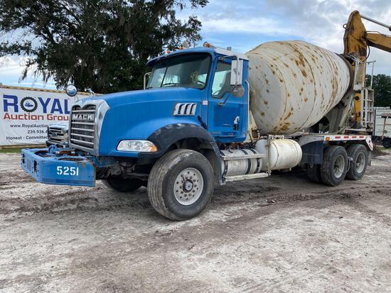 2005 Mack CT713 11 Yard McNeilus T/A Concrete Mixer Truck