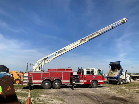 2000 Pierce Ladder Fire Truck