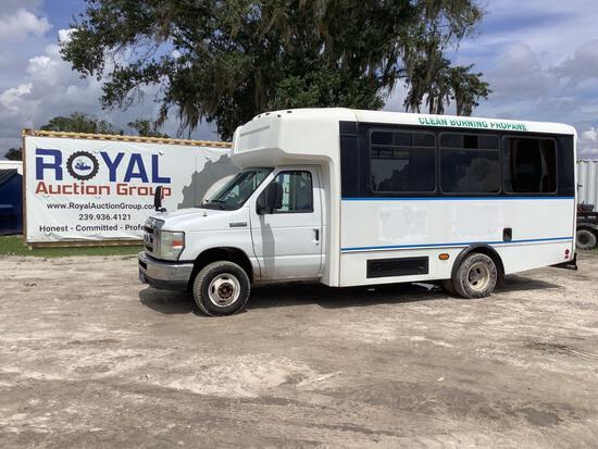 2014 Ford E-450 Champion Handicap Transit Bus