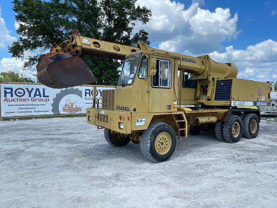 Gradall XL4100 Highway Grading Excavator