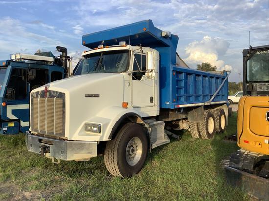 2007 Kenworth T800 T/A Dump Truck