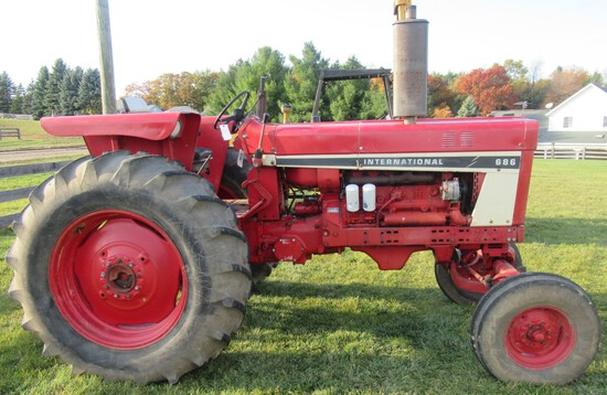 1977 International 686 Wide Front Tractor.