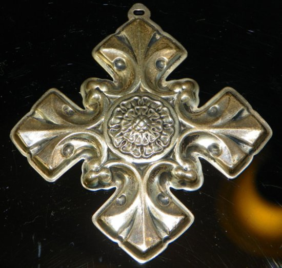 Reed & Barton Sterling Silver 1976 Christmas Cross Ornament