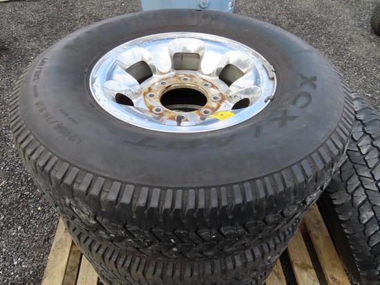 Chevy/GMC 8 lug wheels w/ tires