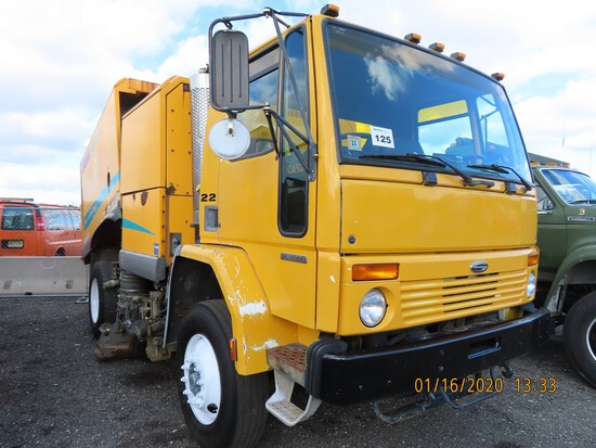 2002 Sterling SC-8000 Elgin GeoVac Sweeper