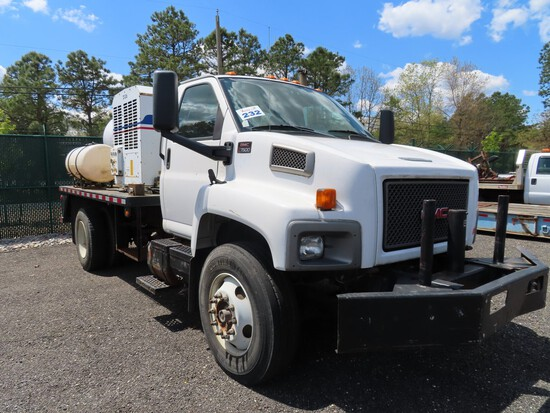2005 GMC C7500 Liquid Excavation Truck