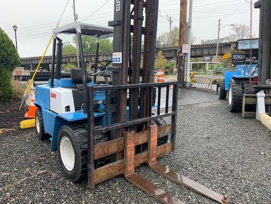Clark 8000lbs Forklift