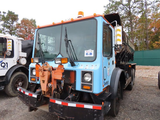 2003 Mack MR688S Salt Truck