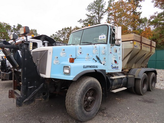 Volvo Tandem Cab & Chassis w/ Salter