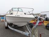 1982 Chaparral Boat