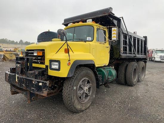 2000 Mack RD688SX Tandem Dump
