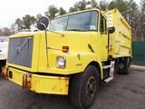 1997 Volvo Garbage Truck