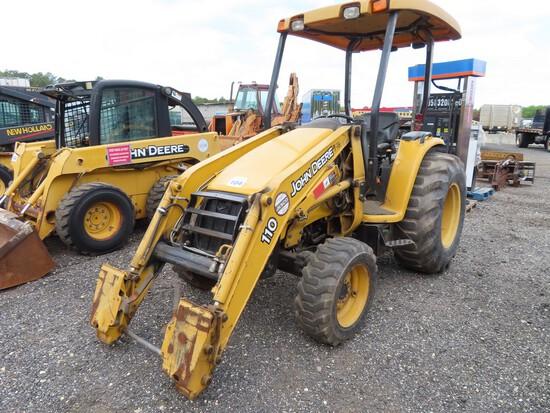 John Deere 110 4x4 Tractor w/ Front Loader Attatchment