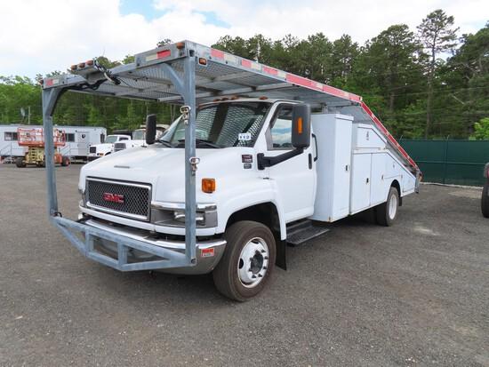 2007 GMC C5500 Ramp Truck