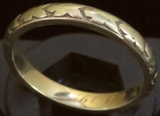 Antique Ring tests 18K. Approx 4.0 grams.