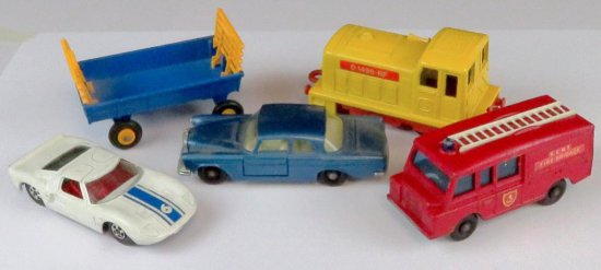 Lot of (5) vintage Matchbox includes No. 57 Land Rover Fire Truck, 1978 No. 24 Shunter, No. 40 Hay T