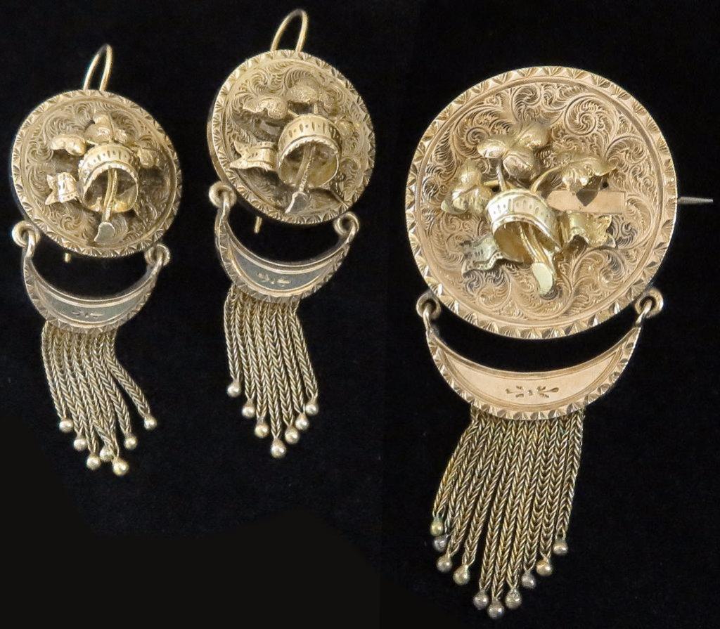 Antique 15K Georgian Earring & Pin Set. Approx 16.5 grams.
