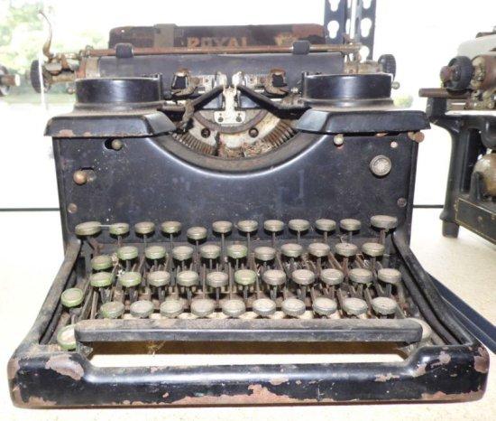 Antique 1920's Royal Typewriter.