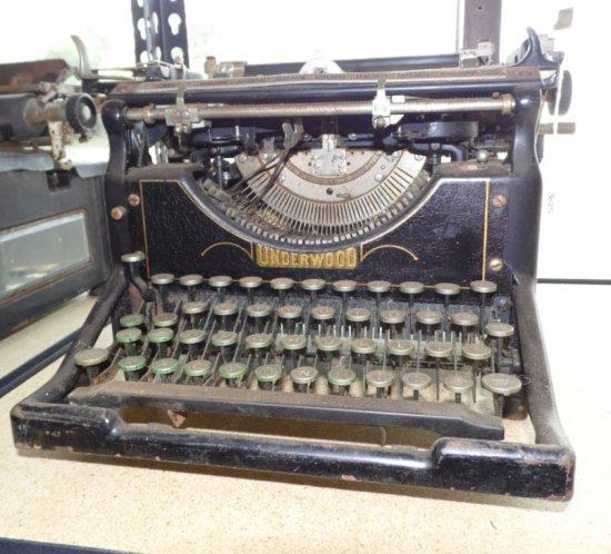 Antique Underwood Typewriter.