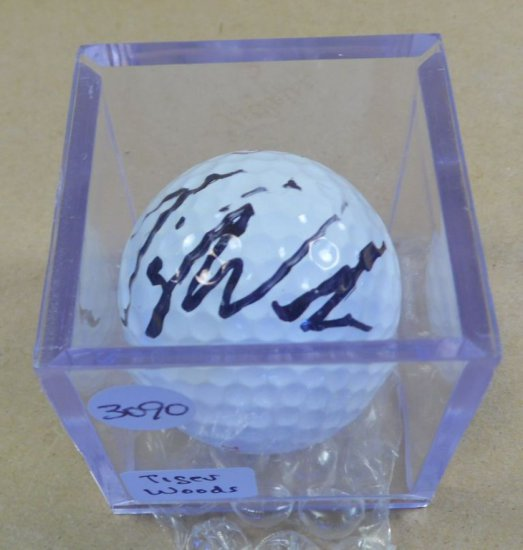 Tiger Woods signed 'Rare' mint condition Titleist golf ball.  With authenticity.