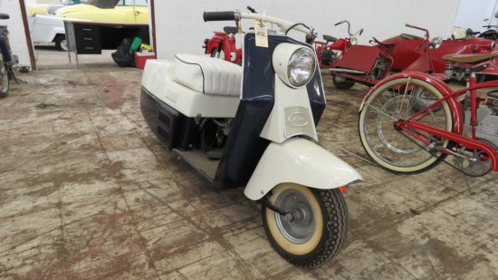1959 CUSHMAN ROADKING SCOOTER
