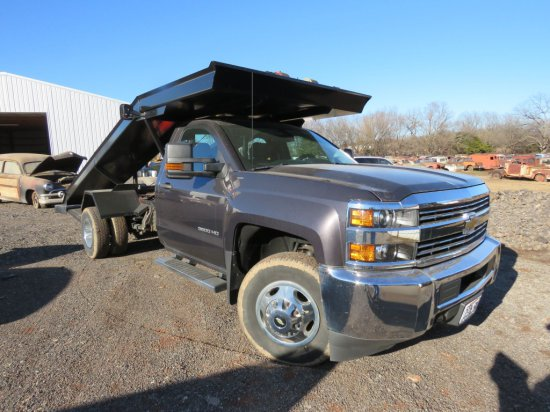 2016 Chevrolet 3500HD Ramp Car Hauler