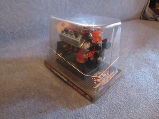 426 HEMI Motor Model NIB