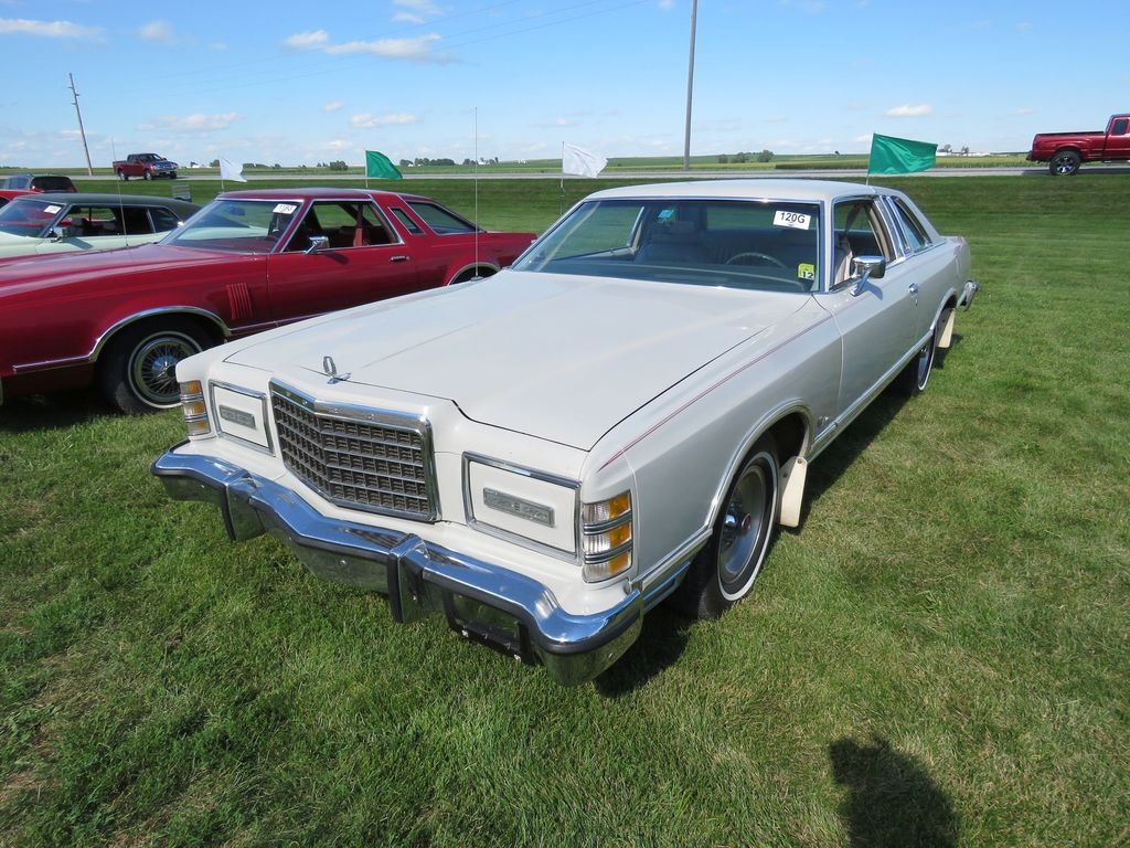 1977 Ford LTD Coupe